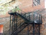 Лестница на второй этаж частного владения в Краснообске, Васхнил